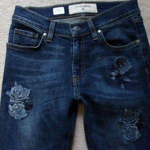 Miss Me Vintage floral embroidered skinny jean 26
